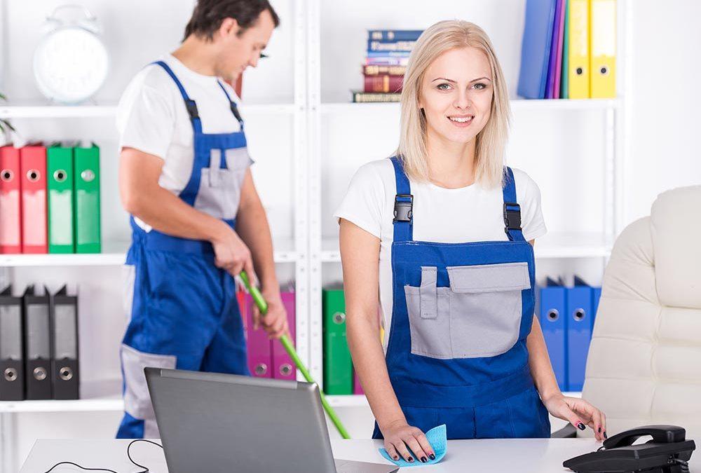 Pourquoi vous Devriez Externaliser vos Services de Nettoyage